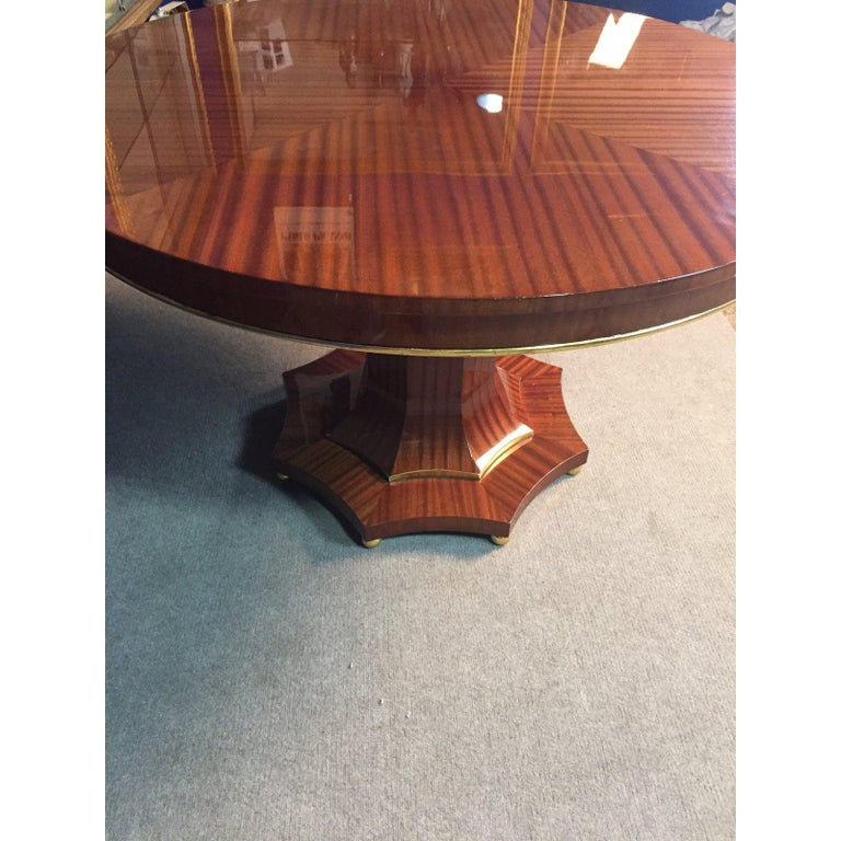 Veneer Century Regency Style Center Table For Sale