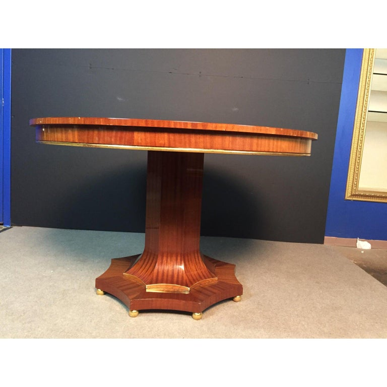 Century Regency Style Center Table In Good Condition For Sale In Norwood, NJ