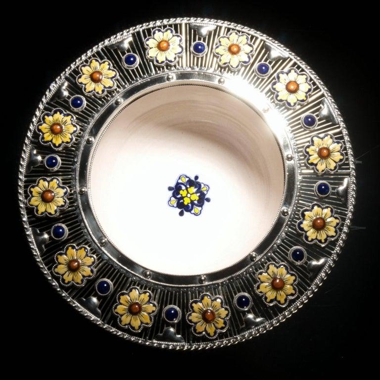 Ceramic and White Metal 'Alpaca' Bird Bowl Centerpiece In New Condition For Sale In Guadalajara, Jalisco