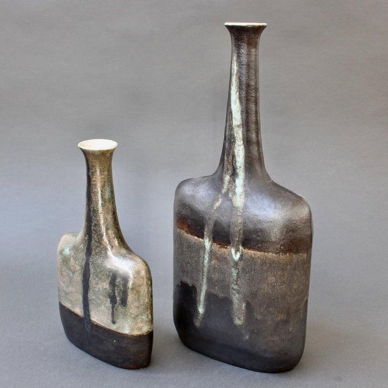 Ceramic Bottle-Shaped Black Decorative Vase by Bruno Gambone, circa 1980s For Sale 7