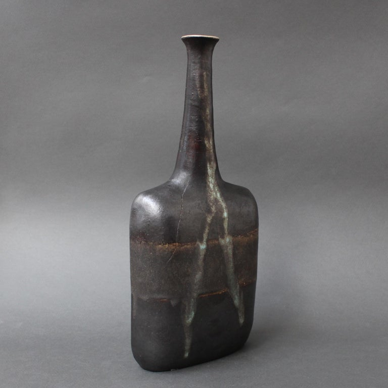Ceramic Bottle-Shaped Black Decorative Vase by Bruno Gambone, circa 1980s In Fair Condition For Sale In London, GB