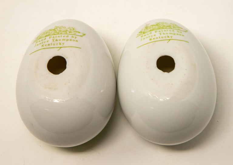 20th Century Ceramic Eggs with Floral Motif For Sale