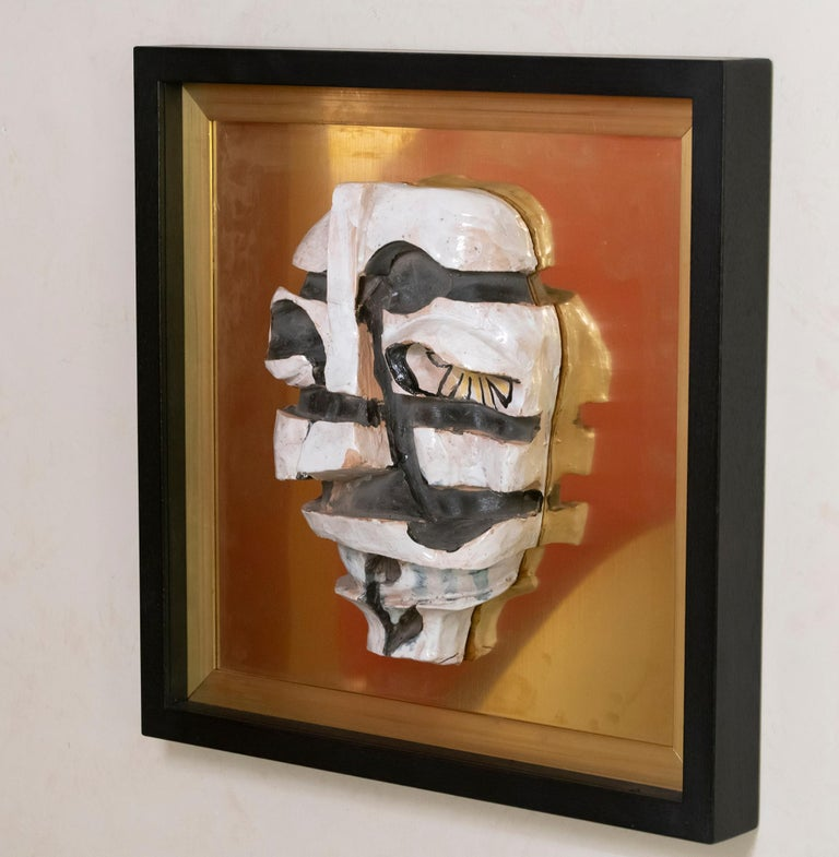 Ceramic Figurative Wall Art on Natural Brass and Wood Frame, Italy, 1970s In Good Condition For Sale In Firenze, IT