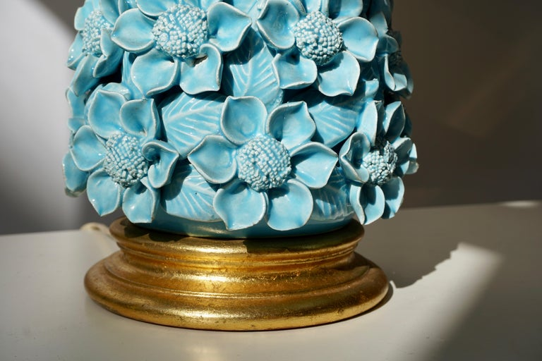 Gilt Ceramic Flower Table Lamp in Blue Color, 1950s For Sale