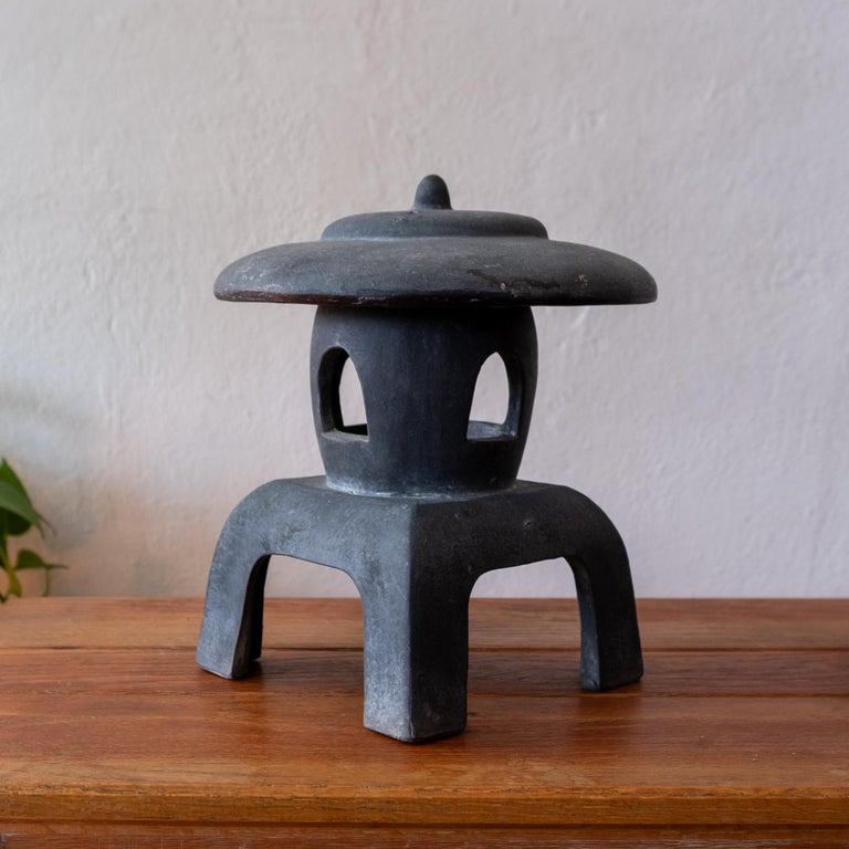 Ceramic Japanese Lantern, 1950s In Good Condition For Sale In San Diego, CA