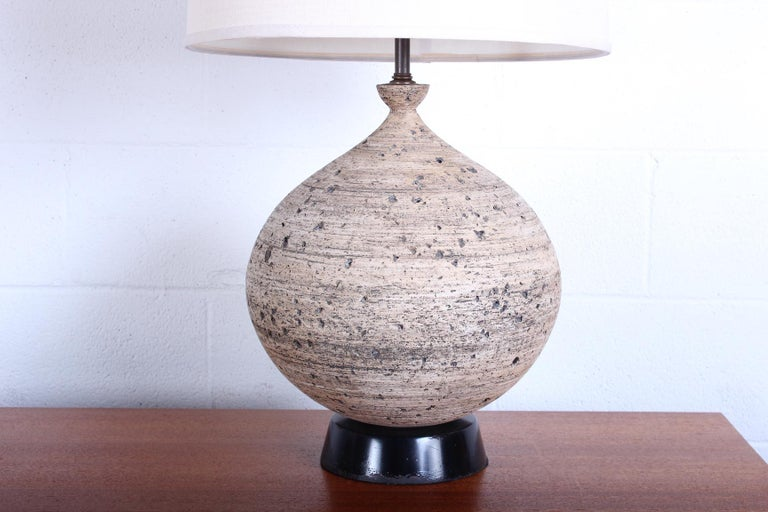 Ceramic Lamp by Edward D. Jay In Good Condition For Sale In Dallas, TX