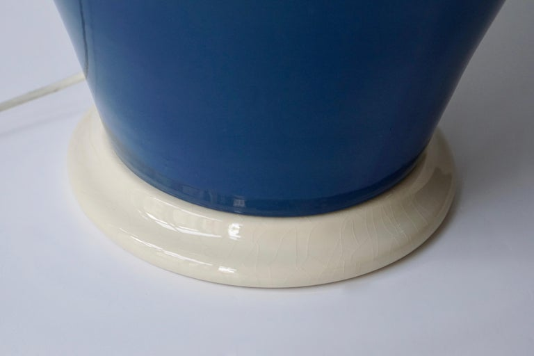 Ceramic Lamps in White and Blue For Sale 2