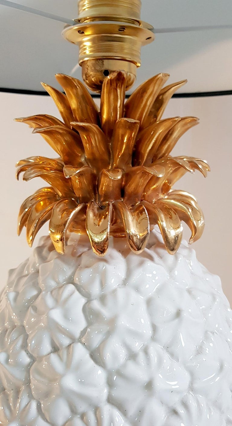 Italian Ceramic Pineapple Table Lamp Made in Italy For Sale