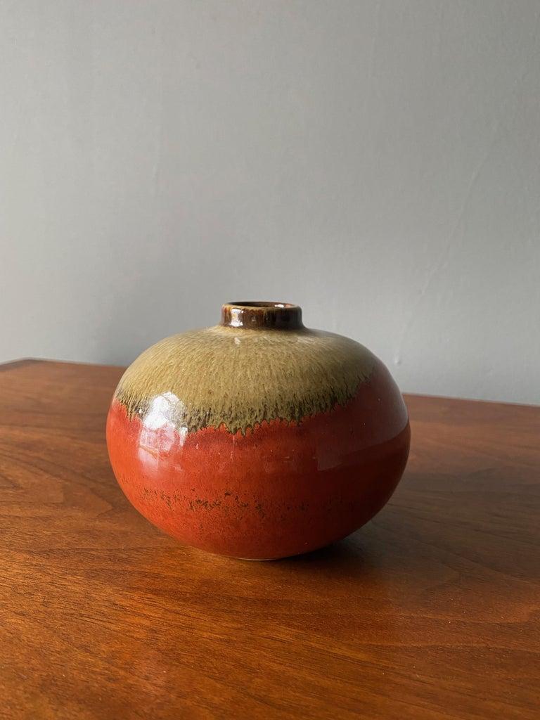 American Ceramic Studio Crafted Vase, circa 1960s For Sale
