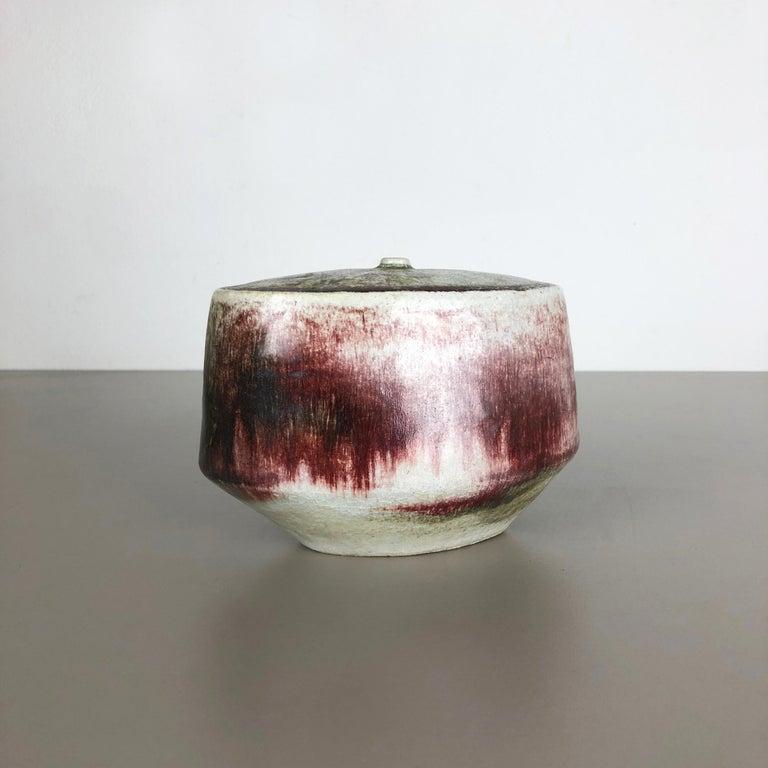 Article:  Ceramic stoneware Object   Designer and producer:  Bruno and Ingeborg Asshoff  Information:  Ingeborg (1919-1998) und Bruno (1914-2003) Asshoff 1983 co-founder of group 83   Decade:  1960-1965   This original vintage