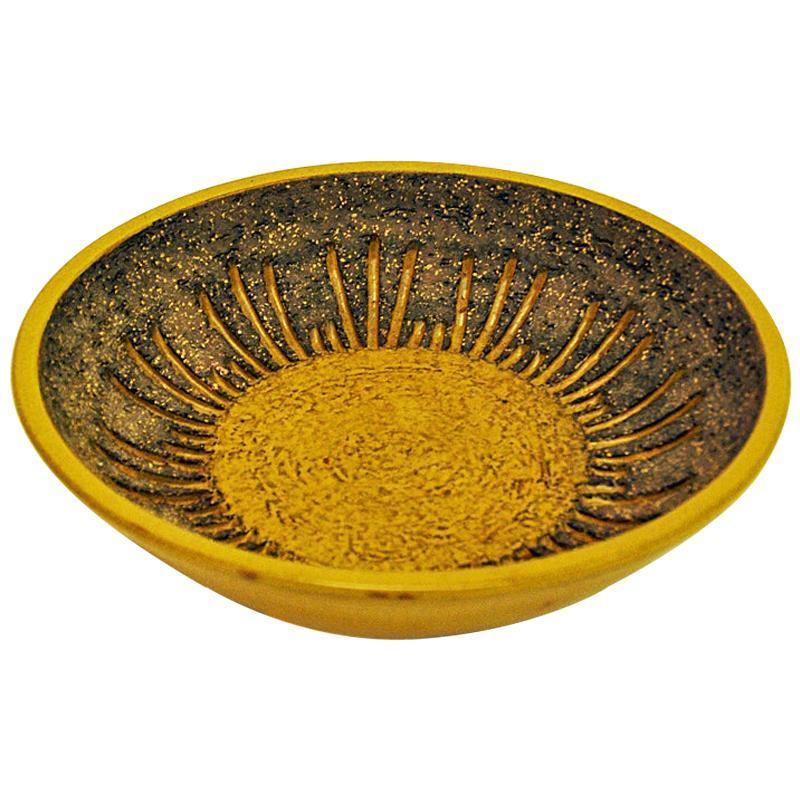 Ceramic Vintage Dish by Mari Simmulsson Upsala-Ekeby 1960s