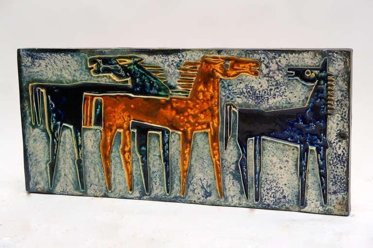 Large German ceramic wall art with three horses Measures: Width 91 cm. Height 30 cm. Depth 4 cm.