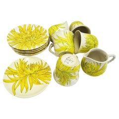Ceramiche Ernestine, Salerno Italy Chrysanthemum Dessert Set with 17 Pieces