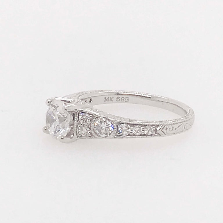 Certified 1 Carat Diamond Vintage Style Ring and Antique Hand Engraving For Sale 5