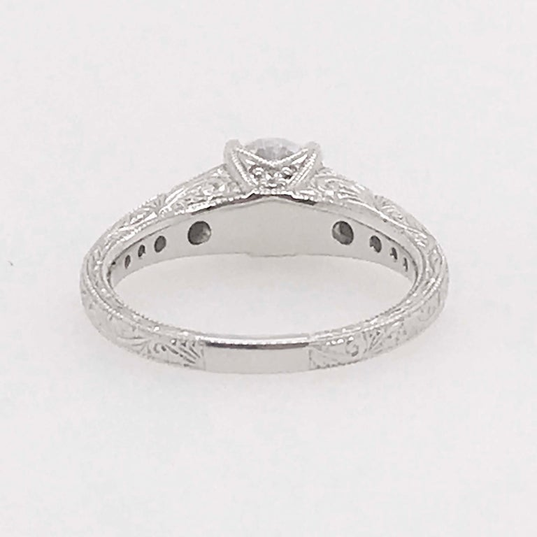 Certified 1 Carat Diamond Vintage Style Ring and Antique Hand Engraving For Sale 2