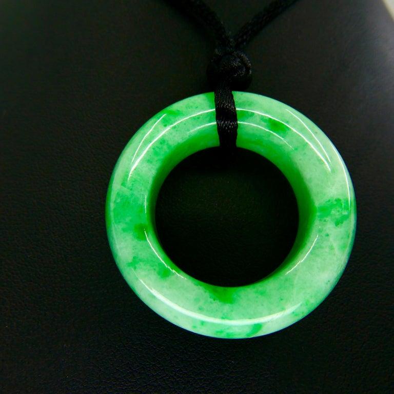 Certified 100 Carat Jadeite Jade Peace Pendant, Apple Green, Substantial For Sale 4