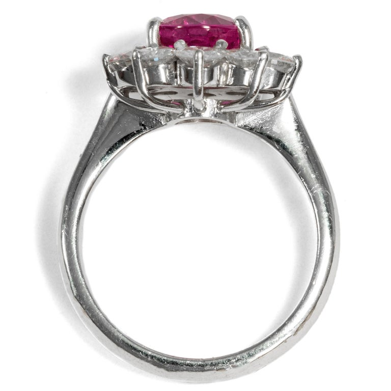 Certified 1.1 Carat Pink Sapphire & 1.4 Carat Diamond Vintage 1970s Cluster Ring For Sale 1