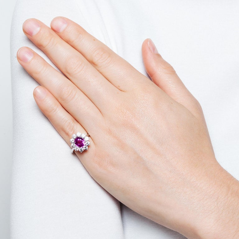Certified 1.1 Carat Pink Sapphire & 1.4 Carat Diamond Vintage 1970s Cluster Ring For Sale 3
