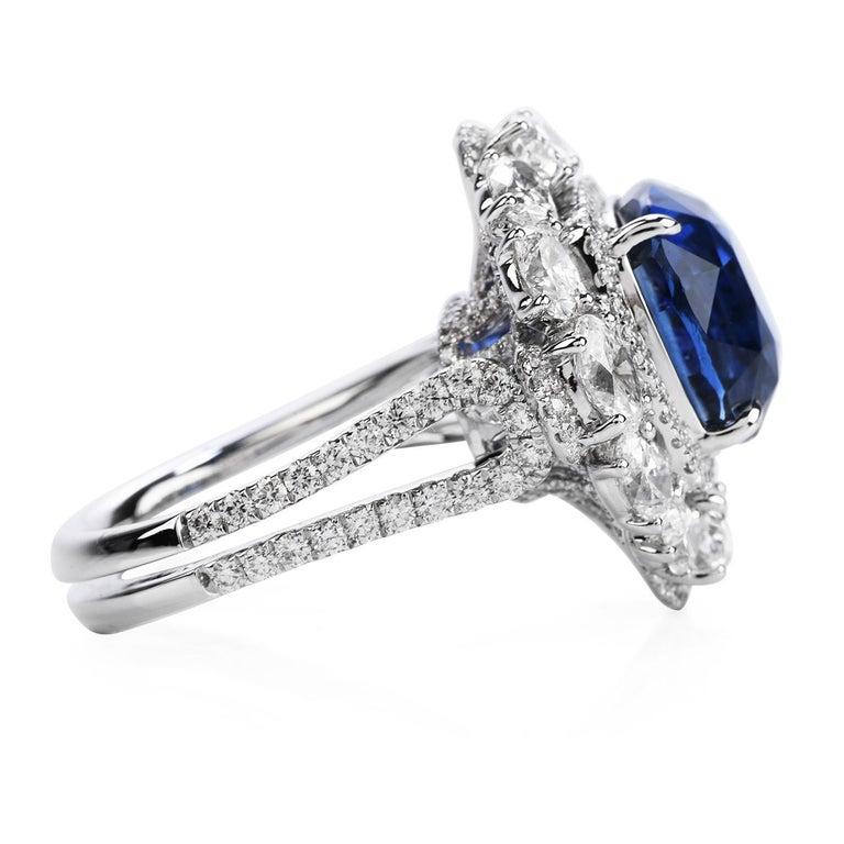 Art Deco Certified 11.17 Carat Ceylon Sapphire Diamond 18k Gold Cocktail Engagement Ring For Sale
