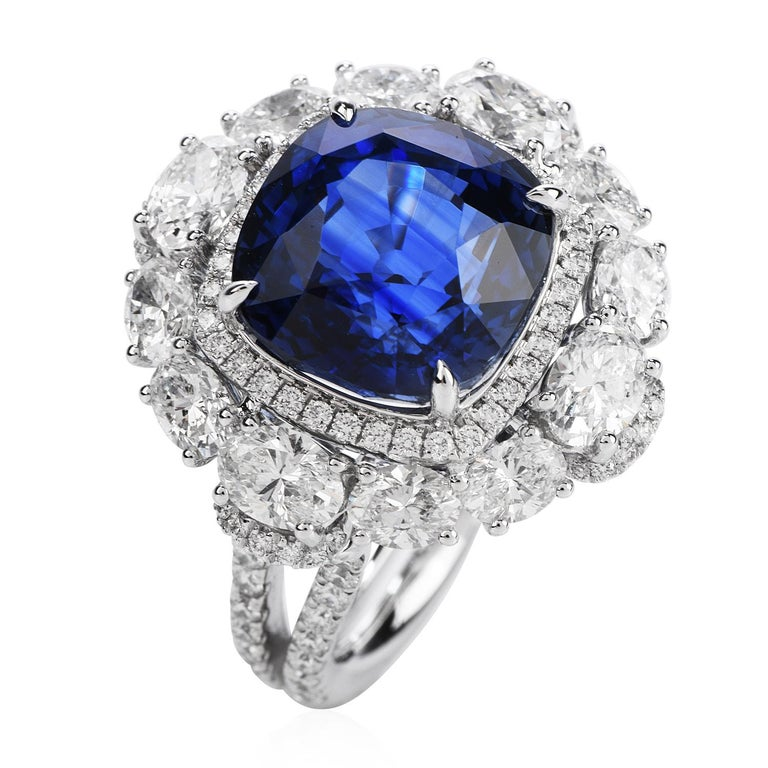 Certified 11.17 Carat Ceylon Sapphire Diamond 18k Gold Cocktail Engagement Ring In Excellent Condition For Sale In Miami, FL