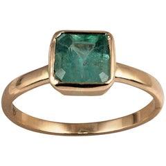 Certified 1.5 Carat Emerald Solitaire Ring 18 Karat Yellow Gold