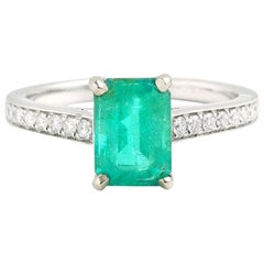 Certified 1.55 Carat Colombian Emerald Diamonds 18 Carat White Gold Ring