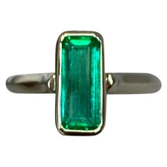 Certified 1.76 Carat Colombian Emerald 18 Karat White Gold Solitaire Ring