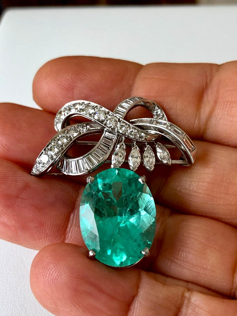 Certified 18.76 Carat Emerald and Diamond Platinum Brooch Pendant In Excellent Condition For Sale In Brunswick, ME
