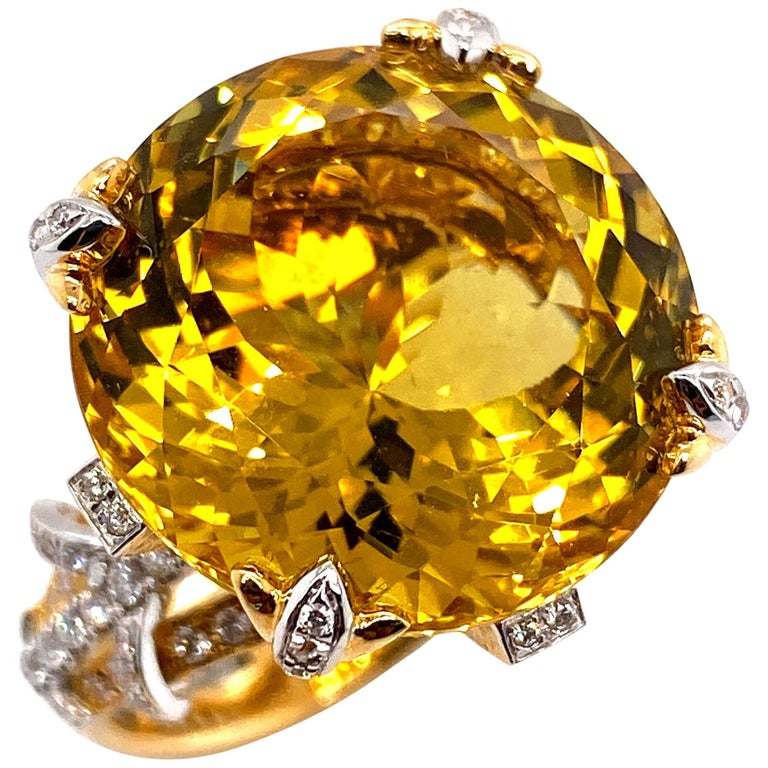 Certified 19.06 Carat Natural Yellow Beryl and Diamond Statement Ring For Sale