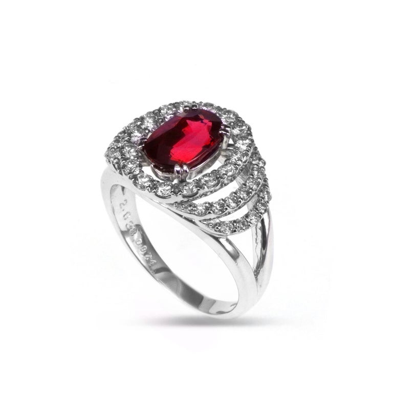 Certified 2.03 Carat No Heat Ruby Diamond Solitaire Engagement Ring Platinum 900 In New Condition For Sale In Hung Hom, HK