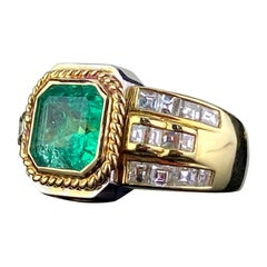Certified 2.09 Carat Colombian Emerald and Diamond Ring