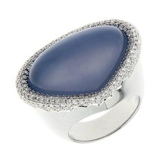 Certified 22.65 Carat Lavender Chalcedony Cabochon Diamond Gold Cocktail Ring