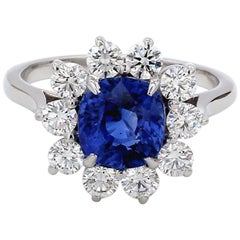 Certified 2.55 Carat Natural No Heat Blue Sapphire Diamond 18 Karat Gold Ring