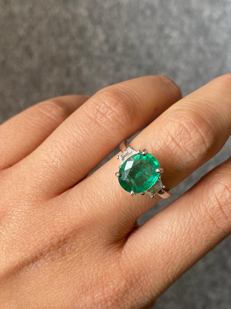 Modern Certified 2.56 Carat Oval Shape Emerald and Diamond Three-Stone Engagement Ring For Sale