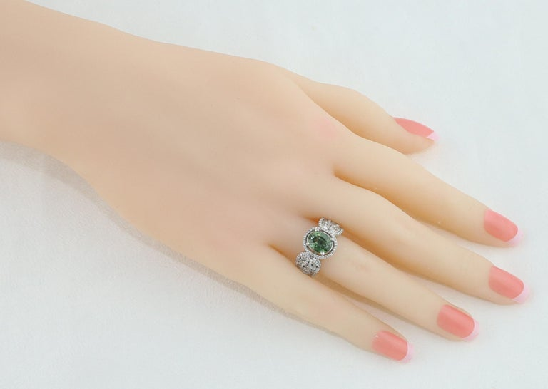 Oval Cut Certified 3.08 Carat Oval Green Sapphire Diamond Gold Ring For Sale