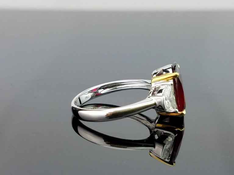 Certified 4.02 Carat No Heat Mozambique Ruby and Diamond Three-Stone Ring In New Condition For Sale In Bangkok, Thailand
