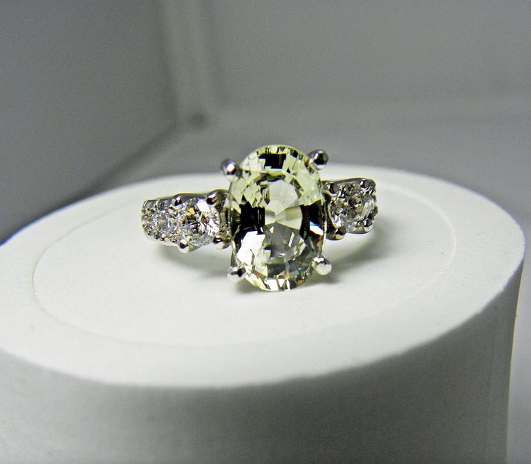 Certified 4.38 Carat Untreated Fine Sapphire and Diamond Engagement Ring 18K For Sale 5