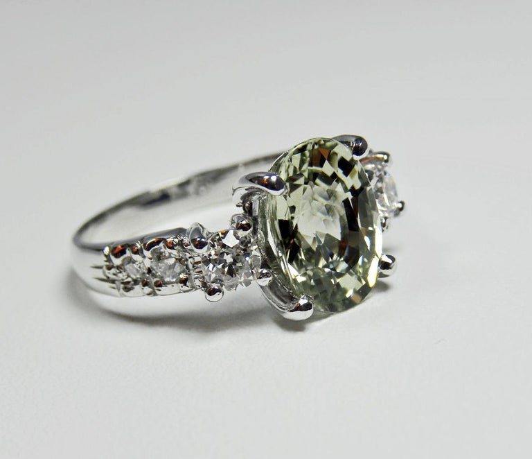 Women's Certified 4.38 Carat Untreated Fine Sapphire and Diamond Engagement Ring 18K For Sale
