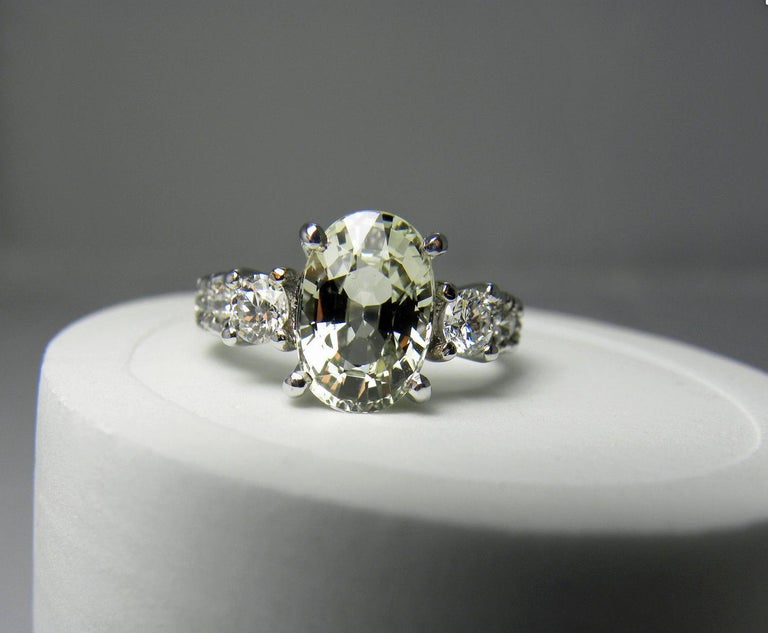 Certified 4.38 Carat Untreated Fine Sapphire and Diamond Engagement Ring 18K For Sale 1