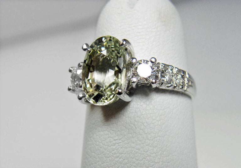 Certified 4.38 Carat Untreated Fine Sapphire and Diamond Engagement Ring 18K For Sale 2