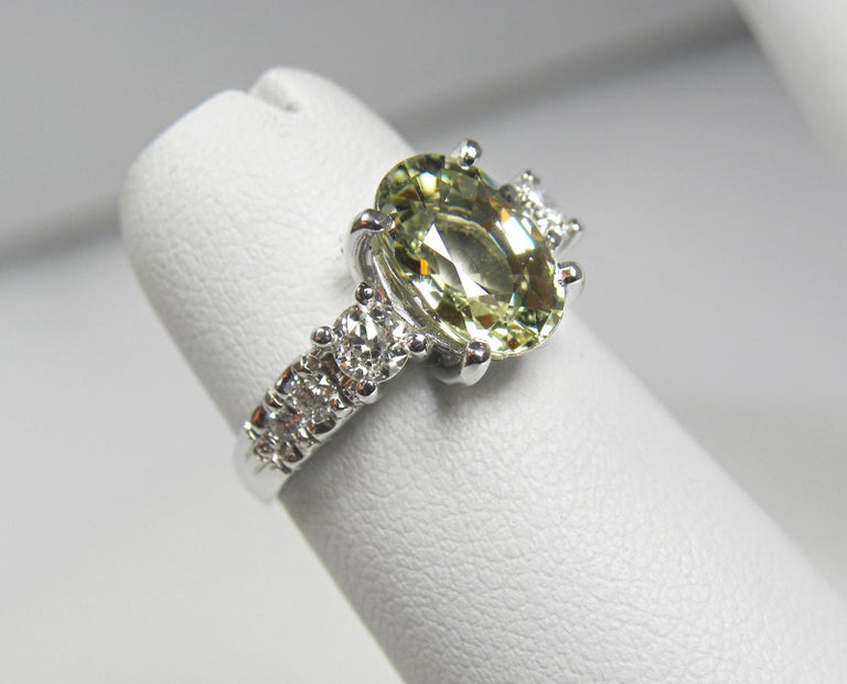 Certified 4.38 Carat Untreated Fine Sapphire and Diamond Engagement Ring 18K For Sale 3