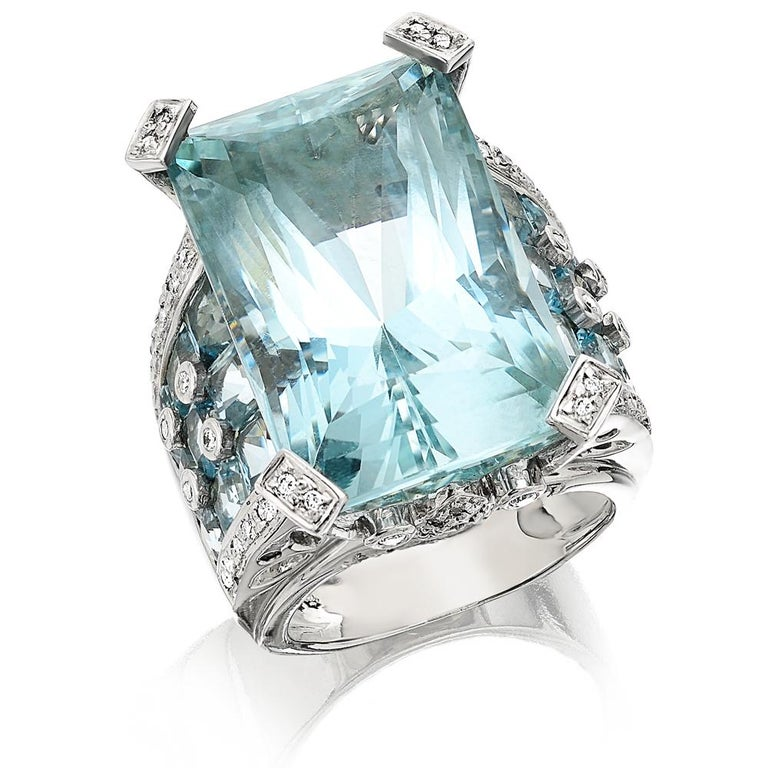 Certified 46 Carat Aquamarine and Diamond Ring Set in 18 Carat White Gold 2