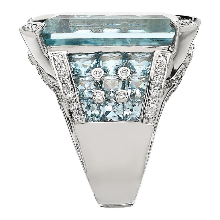 Certified 46 Carat Aquamarine and Diamond Ring Set in 18 Carat White Gold 4
