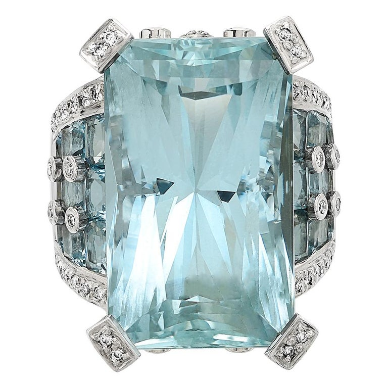 Certified 46 Carat Aquamarine and Diamond Ring Set in 18 Carat White Gold 1