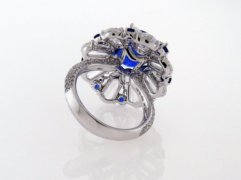 Contemporary Certified 5.11 Carat Sapphire Diamond 18 Karat White Gold Ring For Sale