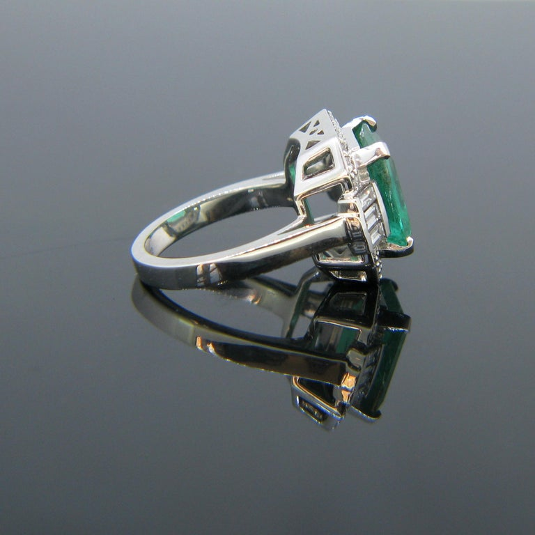 Emerald Cut Certified 5.11 Carat Colombian Emerald and Diamonds White Gold Ring For Sale