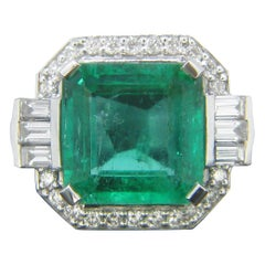 Certified 5.11 Carat Colombian Emerald and Diamonds White Gold Ring