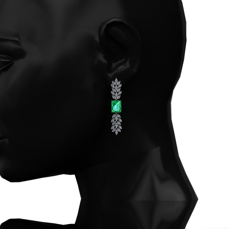 Certified 6.31 Carat Emerald 23 Carat Diamond 18k Gold and Platinum 950 Necklace For Sale 4