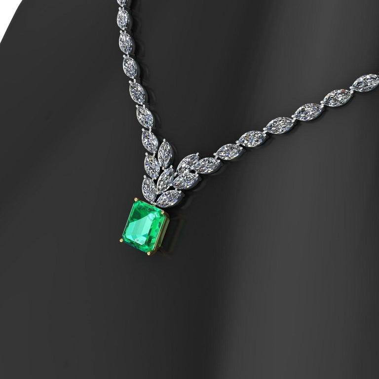 Art Deco Certified 6.31 Carat Emerald 23 Carat Diamond 18k Gold and Platinum 950 Necklace For Sale