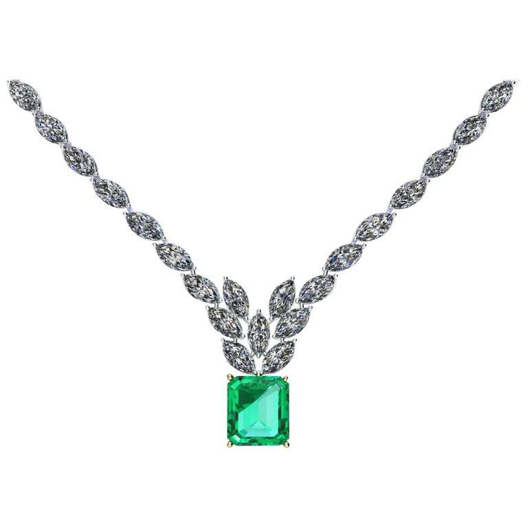 Certified 6.31 Carat Emerald 23 Carat Diamond 18k Gold and Platinum 950 Necklace For Sale